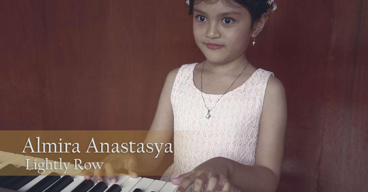 Lightly Row by Almira Anastasya - Sekolah Musik Moritza Banda Aceh A
